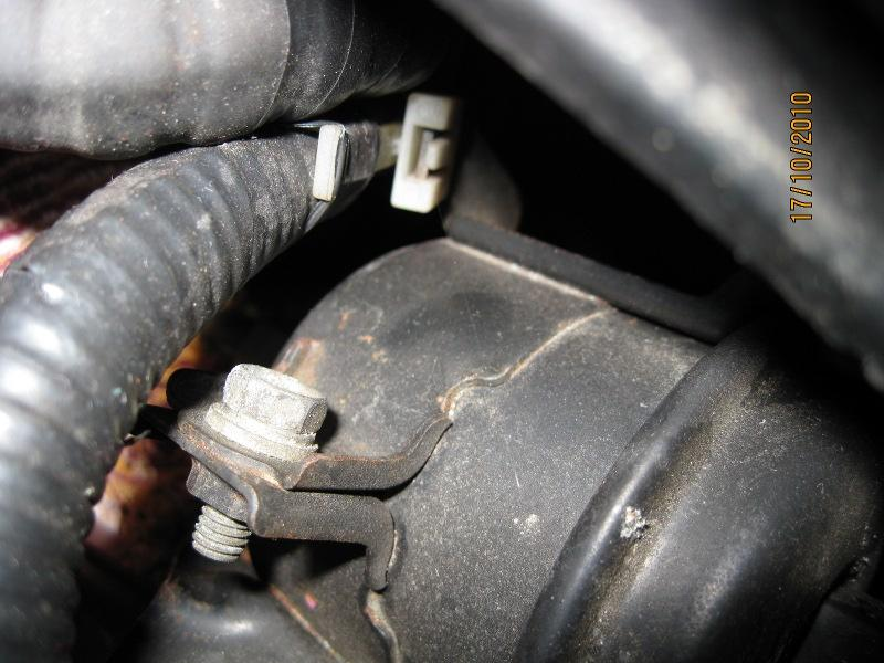 How to change the fuel filter (post 96, Honda based)   MG-Rover.org ForumsMG-Rover.org Forums
